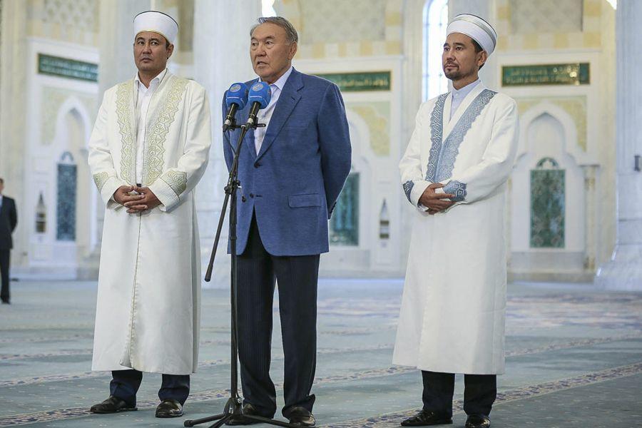 Назарбаев қазақстандықтарды қасиетті Құрбан айт мерекесімен құттықтады