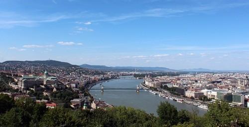 Будапешт – Еуропа төріндегі әсем қала