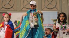 8 жастағы чемпион қыз