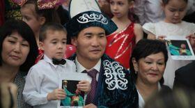 Қанат Ислам Атыраудағы жетімдер үйіне сый жасады