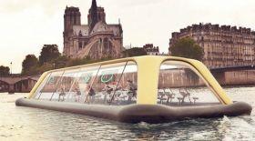 Парижге жүзіп баратын қайық