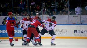 Хоккейден Ресей мен Канада ойыны төбелеспен аяқталды