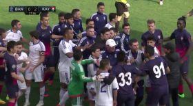 Қазақстан мен Армения клубтарының футболшылары ойында төбелесіп қалды (видео)