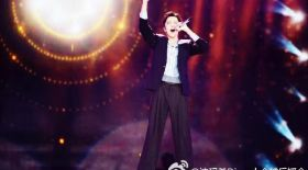 Димаш Құдайбергеновтың қытайлық ең ірі weibo.com сайтына тараған суреттері
