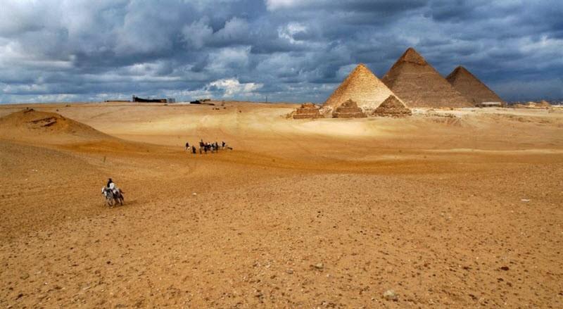 Ең ежелгі пирамида құлап қалудың аз-ақ алдында тұр