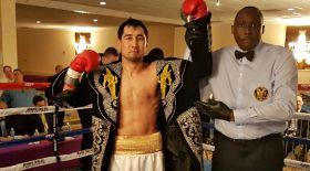 Айдос Ербосынұлы америкалық боксшыны нокаутпен жеңді