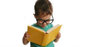 2-3 жастағы балаға кітап оқыту