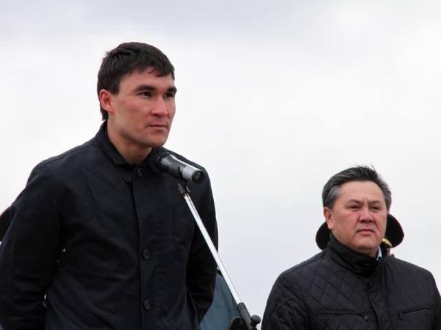 Серік Сапиев әскер қатарына қосылған жаңа сарбаздарға сәт-сапар тіледі