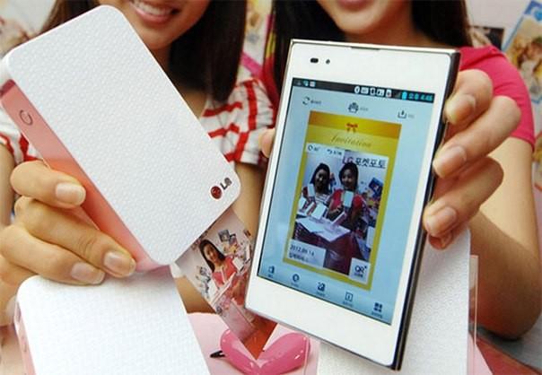 LG Pocket Photo қалта принтерін шығарды