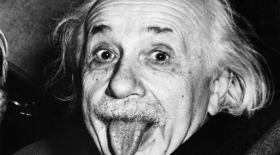 Эйнштейн тілін шығарып түскен сурет бәссаудада сатылды