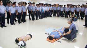 Дәрігерлер полицейлерге алғашқы медициналық көмек көрсету жайлы кеңес берді