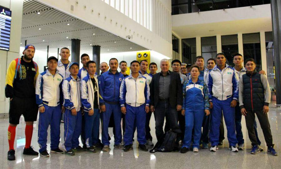 Қазақ боксшылары әлем чемпионатына аттанды