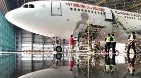 Димаштың құрметіне шығарылған ұшақ алғашқы рейсінде Шанхайдан Пекинге ұшады
