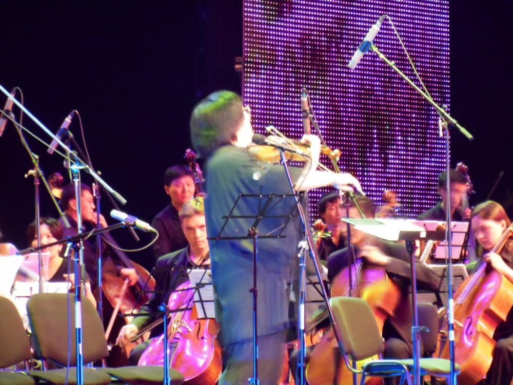Марат Бисенғалиев жаңа симфониялық оркестрінің тұсауын кесті