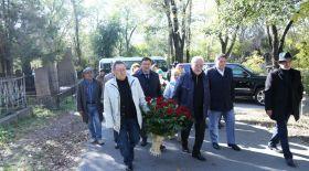 Әкем-театры Әзірбайжан Мәмбетов рухына тағзым етті