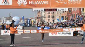 Венеция марафонында фаворит желаяқтар жолдан жаңылып жүлдесіз қалды