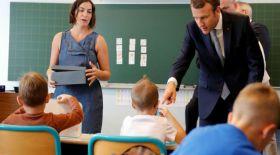 Францияда оқушыларға телефон ұстауға тыйым салынды