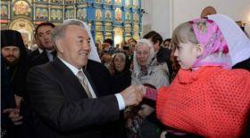 Нұрсұлтан Назарбаев қазақстандықтарды Рождество мерекесімен құттықтады