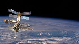 Boeing және SpaсeX 2019 жылы ХҒС-ға ғарышкерлерді жібереді