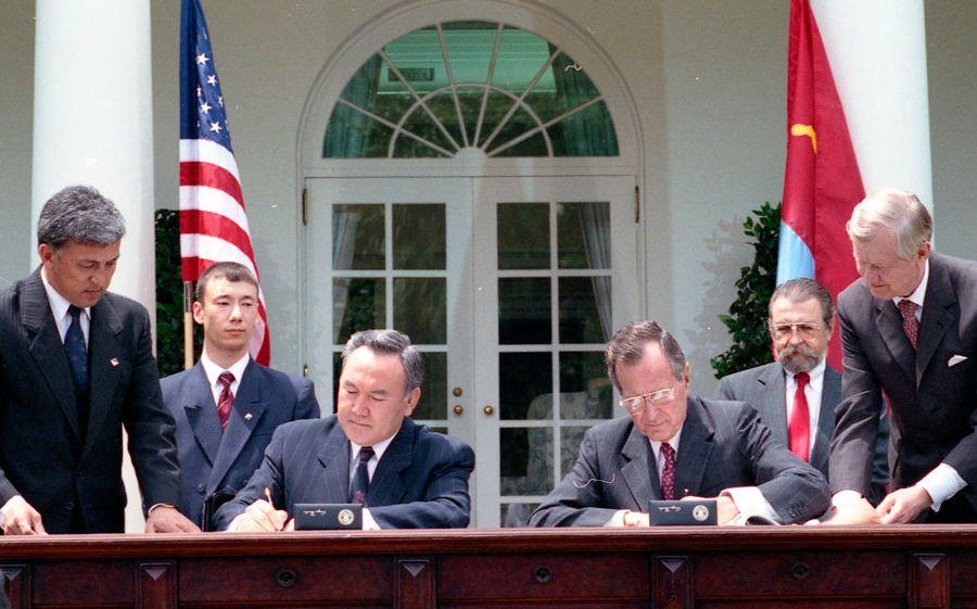 Осыдан 26 жыл бұрын: Назарбаев пен Буш Ақ үйде кездесті