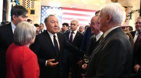 Назарбаев АҚШ-та Трамптан басқа кімдермен кездесті?