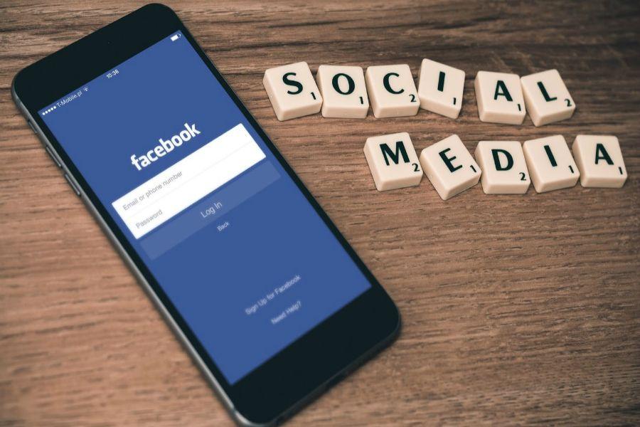 Facebook революциясы: не өзгереді?