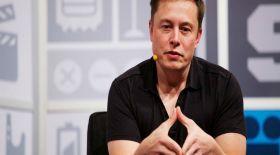 Tesla Илон Маскты жалақысыз қалдырды