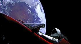 Марсқа кеткен Tesla көлігі ресми тіркелді