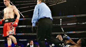 Мадияр Әшкеев доминикандық боксшыны бірінші раундта нокаутпен жеңді