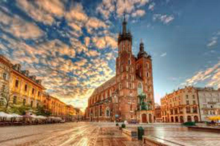 Польша ЖОО-лары Қазақстан азаматтарына оқу гранттарын ұсынды