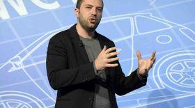 Брайан Эктон да Facebook-ке қарсы үндеу жолдады