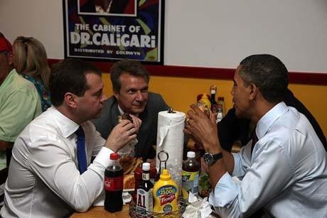 Обамаға хот-дог жеуге тыйым салынды