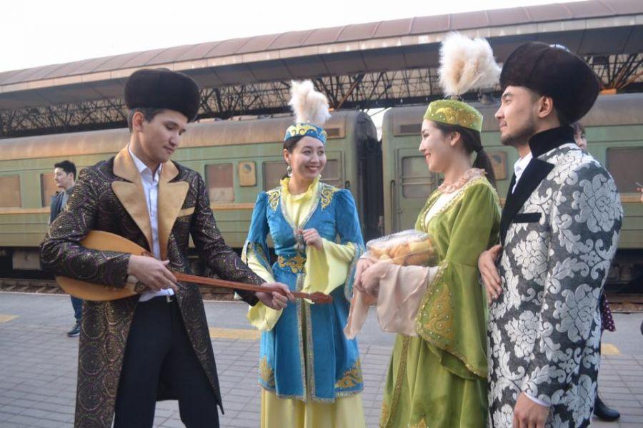 Әкемтеатр «Алатаудан Сарыарқаға сәлем» атты гастрольдік сапармен Астана қаласына келді