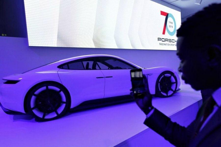 Porsche алғашқы электркөлігін шығармақ