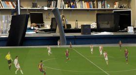 Үстелге көшкен футбол