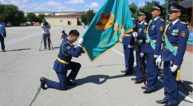 Жас лейтенанттар түлеп ұшты