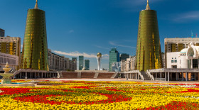 Назарбаев Астананың іргесін алғаш қалаған азаматтармен кездесті