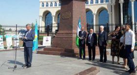 Өзбекстан Жазушылар одағы – Ұлықбек Есдәулетпен кездесу өткізді