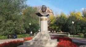 Бүгін еліміздің ірі эпик, лирик ақыны – Жұбан Молдағалиевтің туған күні