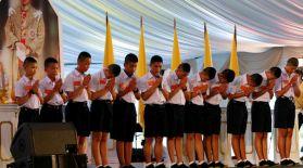 Тайландтағы құтқарушыларға арнап 10 мың адамдық салтанатты кеш ұйымдастырылды