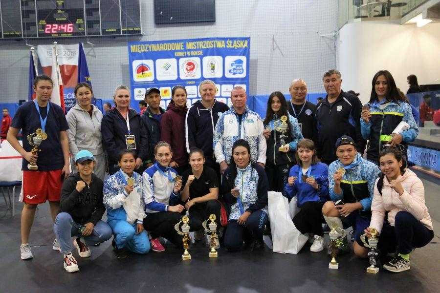 Қазақстандық боксшы қыздар халықаралық турнирде 9 медаль жеңіп алды