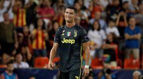 Роналду Чемпиондар лигасында алғаш рет алаңнан қуылды