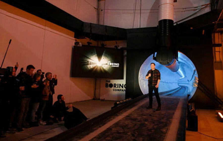 Маск Лос-Анджелестегі туннельді ресми түрде ашты