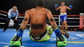Головкиннен жеңілген боксшы 3 жылдан кейін шаршы алаңға оралады