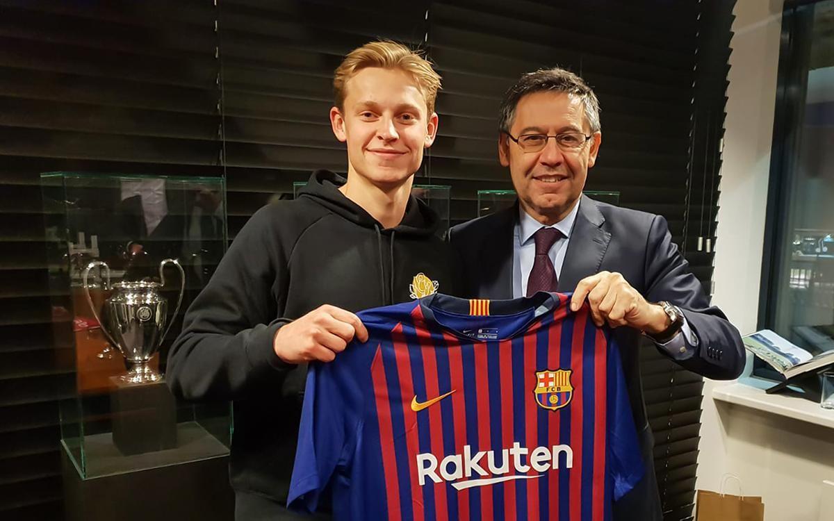 """""""Барселона"""" талантты нидерланд футболшысын сатып алды"""