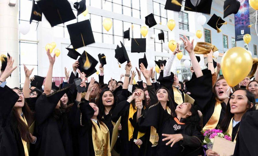 Қазақстанда қанша мың студент бар?