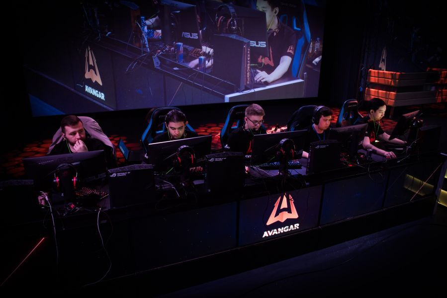 Қазақстандық команда киберспорттан Katowice Major турнирінде алғашқы жеңісіне жетті