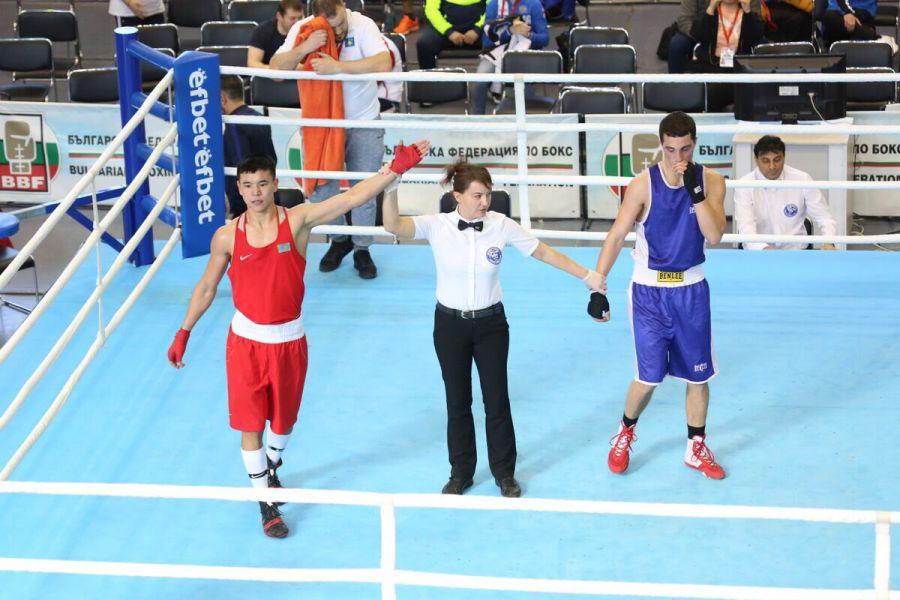Бес боксшымыз Болгариядағы жарыстың жартылай финалына шықты