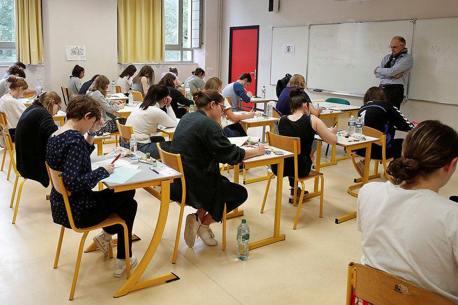 Франция Наполеон кезінде бекітілген білім жүйесін өзгертпек