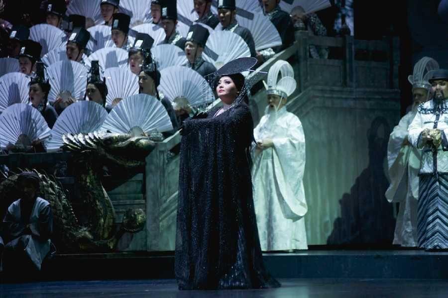 Қытай опера ертегісіндегі дебюттер